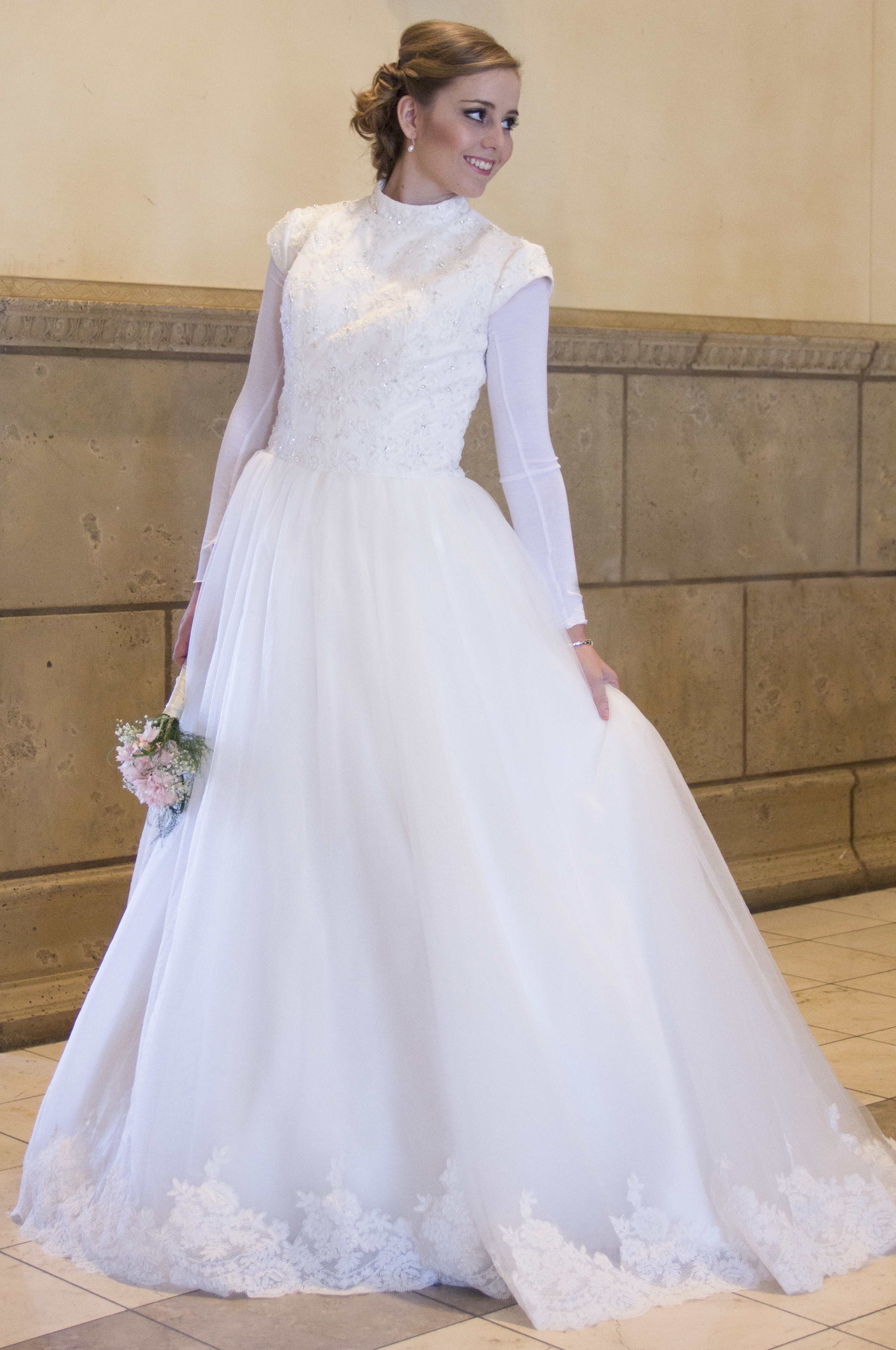 Kim Lace Modest Wedding Dress with Sleeves