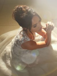 Meghan Markle As Rachel Zane Wearing Lace Wedding Dress Close Up